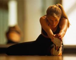 растяжка икроножных мышц и бицепсов бёдер