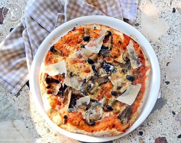 Пряная пицца из ржаной муки