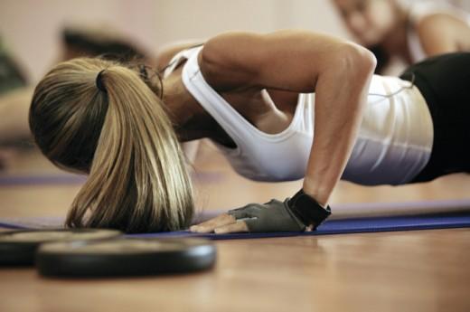 Программа тренировок груди для женщин