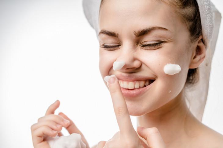 Можно ли использовать пантенол как крем для лица?